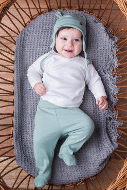 Kaftanik biały, półśpiochy zielone, czapka uszatka zielona