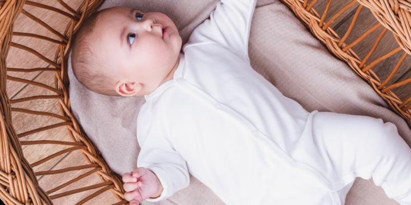 Pajacyki niemowlece ze stopkami i bez stopek. Zapinane z przodu na napki.
