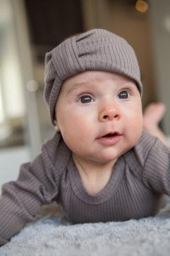 Opaska niemowlęca brązowa z bawełny organicznej w prążki