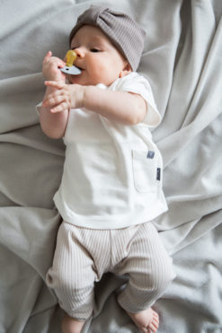 Legginsy niemowlęce - prążkowane - piaskowe