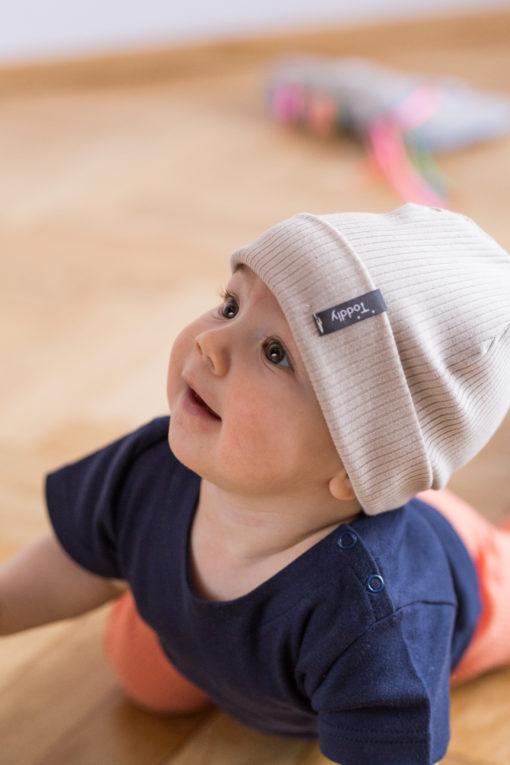 Czapka dla niemowląt wywijana